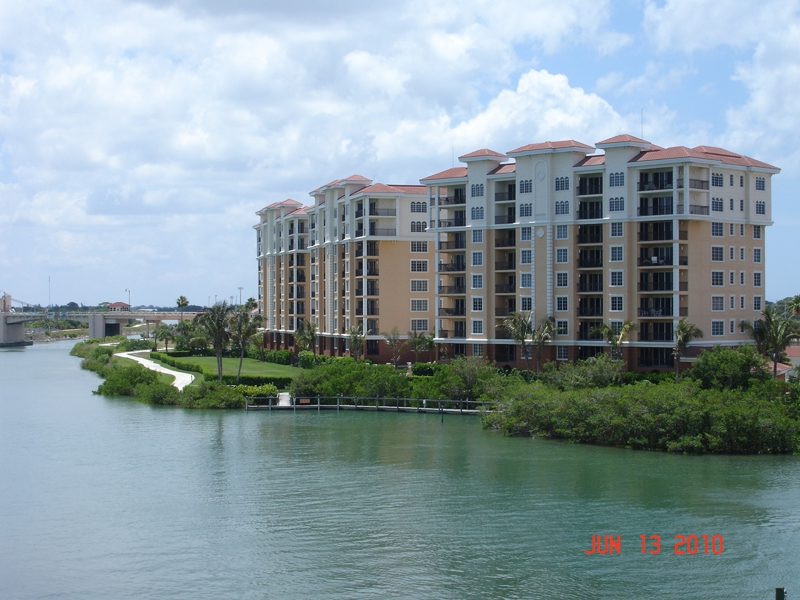 waterfront-on-venice-island-condominiums
