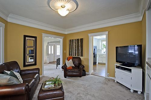 Family room at 267 Hillview