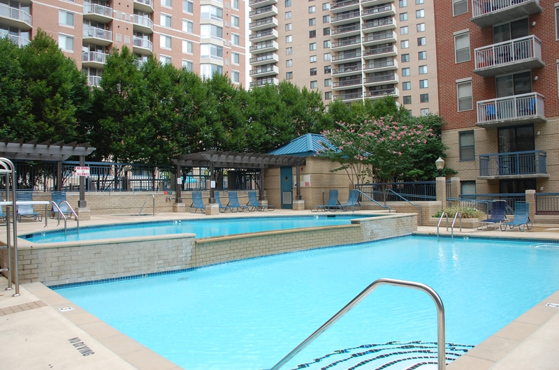 Looking To Sell Your Lexington Square Condo In Arlington