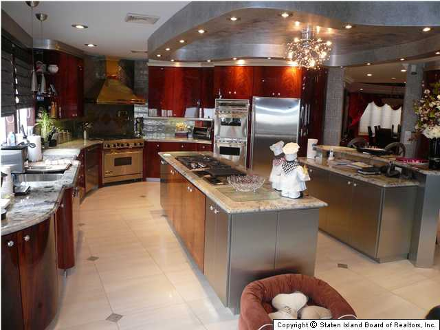 Staten island kitchen cabinets for Complete kitchen cupboards