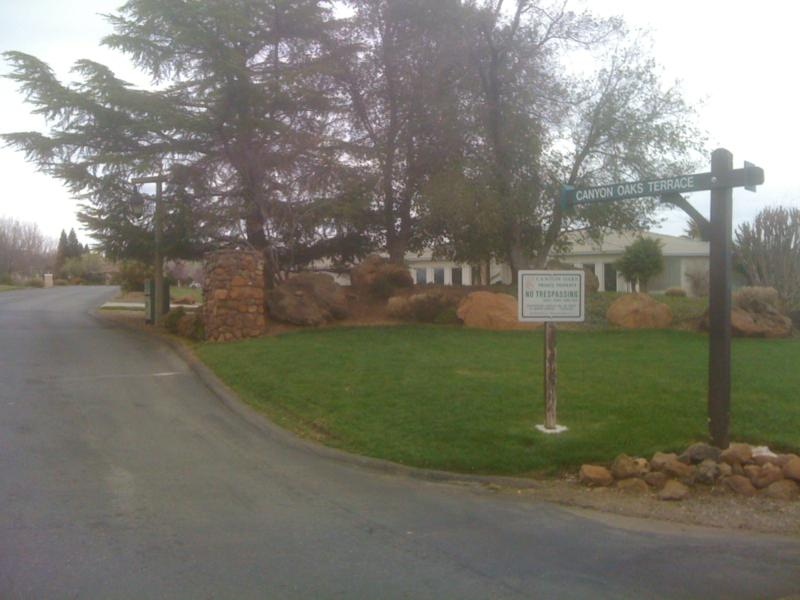 Canyon Oaks Subdivision Entry