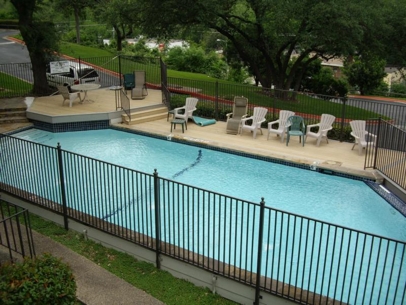 Downtown Austin Condo - Pool