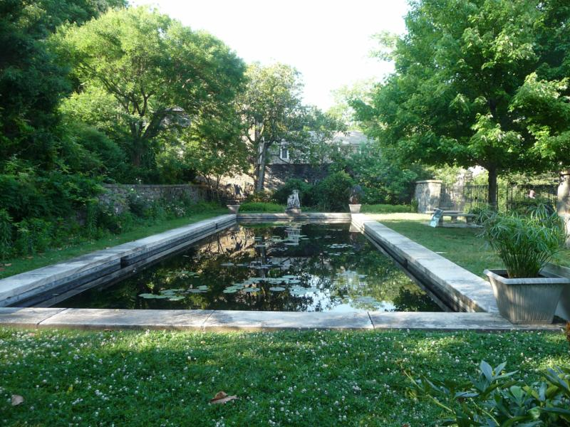 The gardens of wilmington 39 s historic sites for Garden reflecting pool