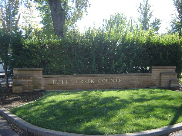 Butte Creek Country Club Sign chain real estate