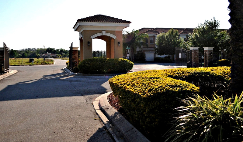 Entrance Portofino Vista Town Homes in Saint Cloud, Florida For Sale