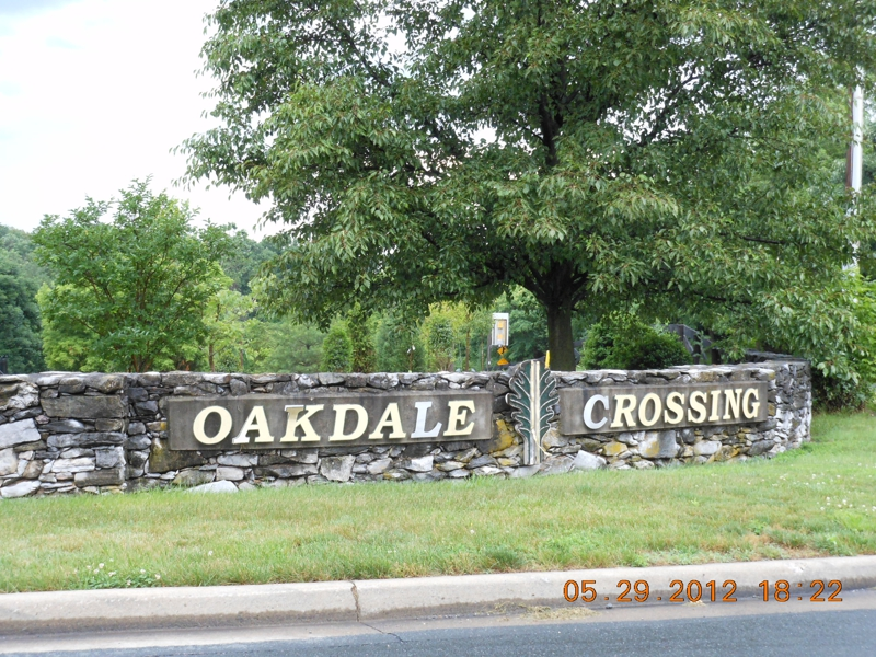 Oakdale Crossing