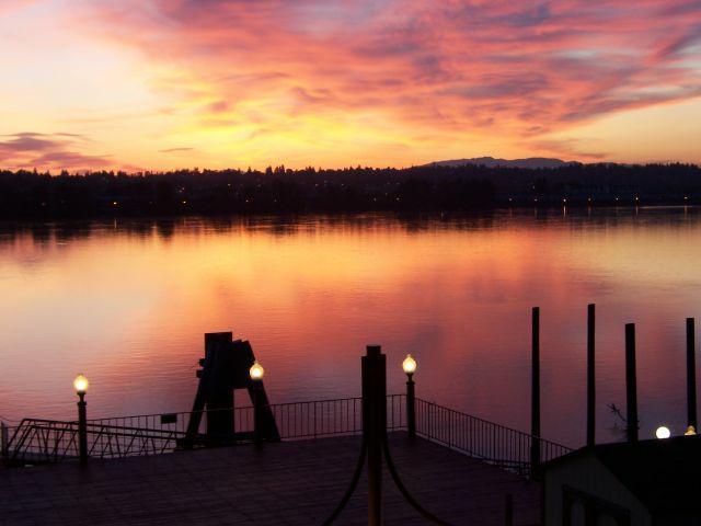 Sunrise on the Columbia