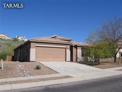ready with a big backyard in the quiet subdivision of Eagle Crest Ranch.