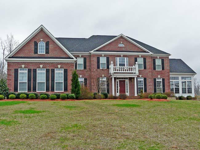 Classic oaks manassas va custom homes on one acre lots for Classic homes va