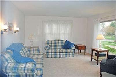 solon oh living room