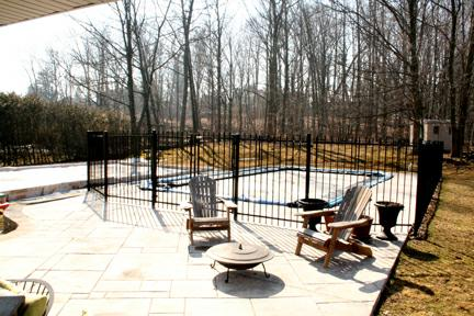 512 Oakwood Pickering - backyard