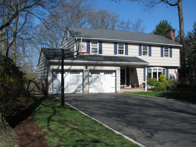 colonial house for sale in Ramsey