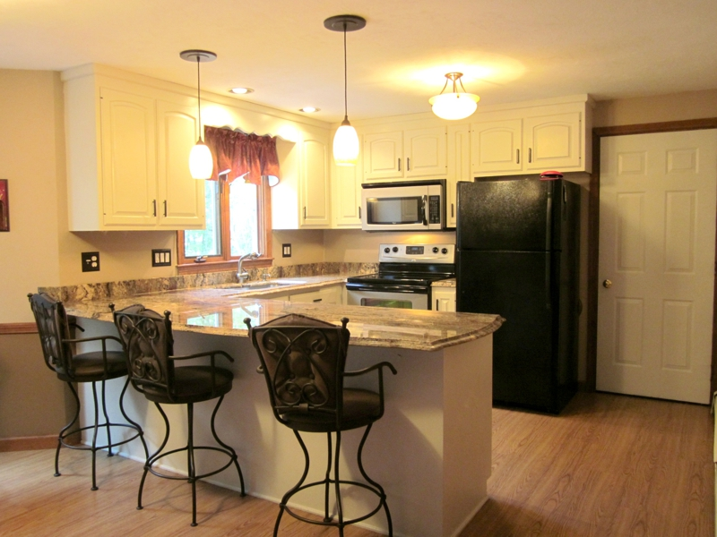 3 Geneseo Circle Milford MA kitchen