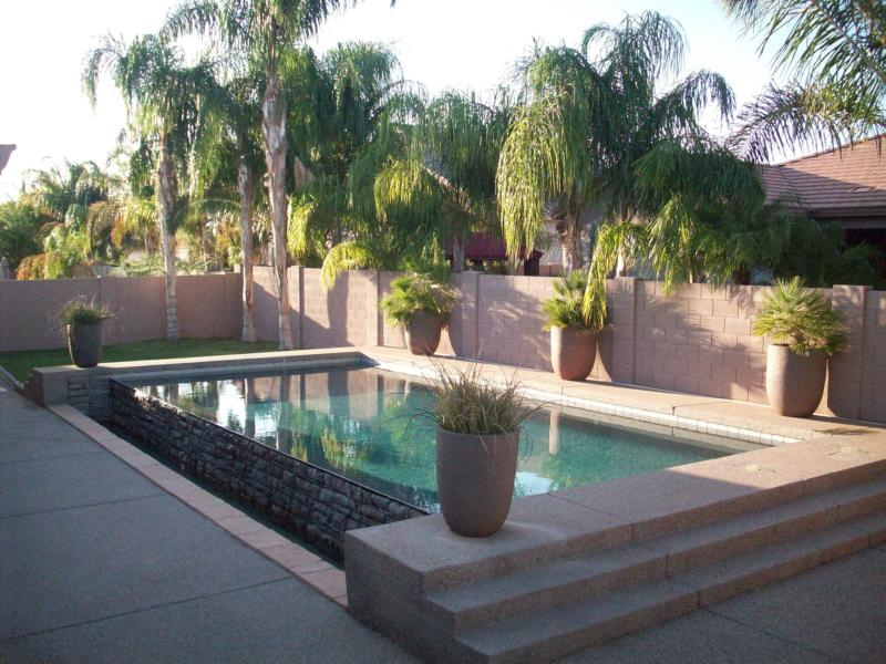 Beautiful home in mesa with negative edge pool 9722 e for Pools in mesa az