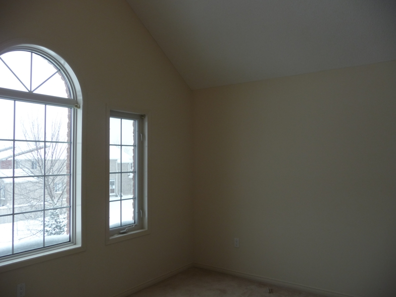 620 heddle newmarket bedroom before staging