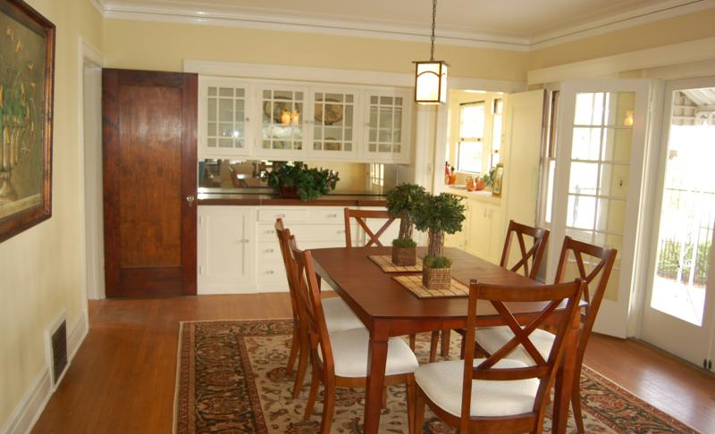 Craftsman dining room after staging by Moving Mountains Design