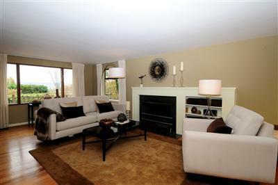 Home Staging To Show Off Transitional Mid Century Seattle