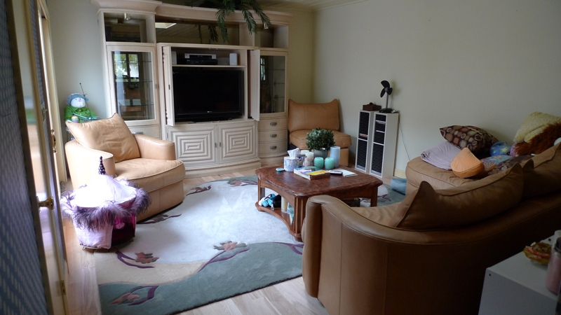 Large Sectional Sofas In Small Rooms How To Make It Work