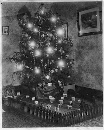 Christmas tree in my Great Grandfathers House in the 1920's!