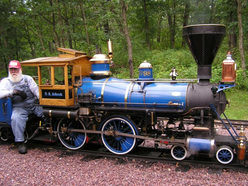 Tiny Wisconsin Dells Riverside and Great Northern Railroad ...