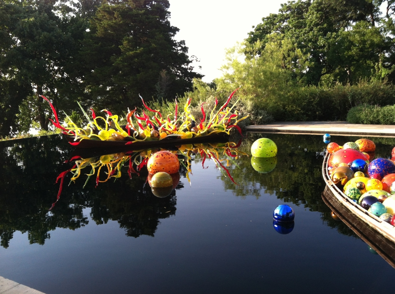 Addison Pacesetters at Chihuly Exhibit - Float Boat
