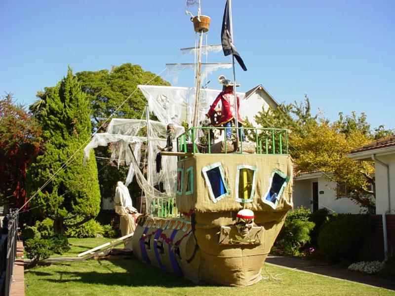 how to build a pirate ship for school project