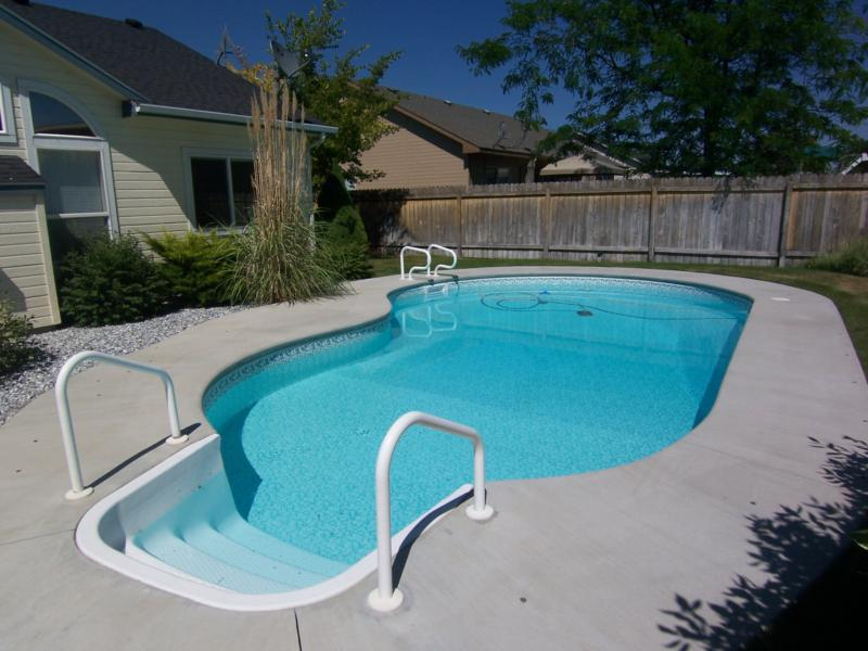 Nampa Id Real Estate Open House Home For Sale 1021 Creekside Nampa Id 83651 Swimming Pool
