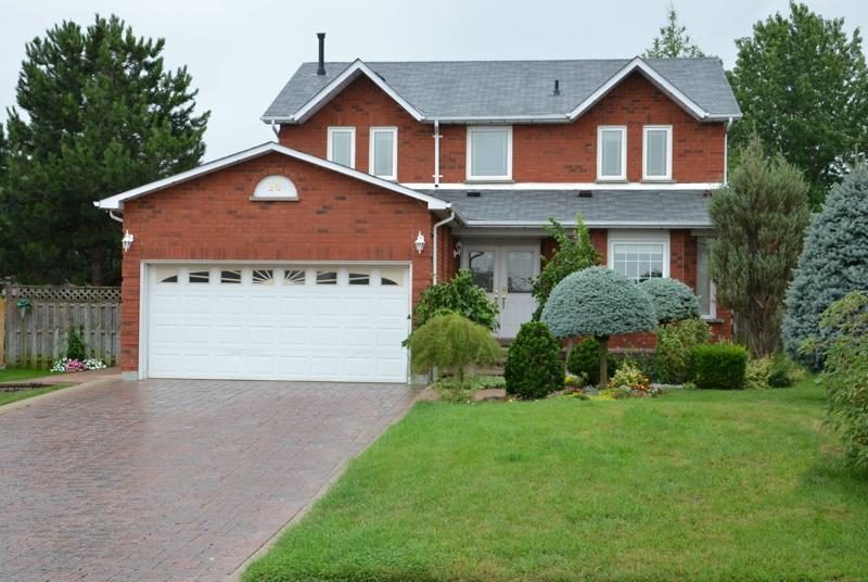 detached home for sale under 470 000 in brampton ontario