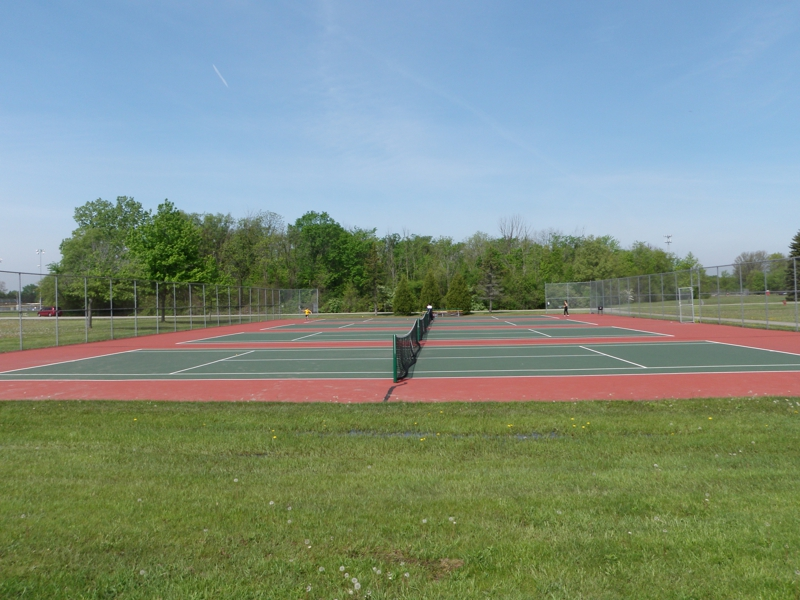 tennis courts bicentennial park livonia michigan