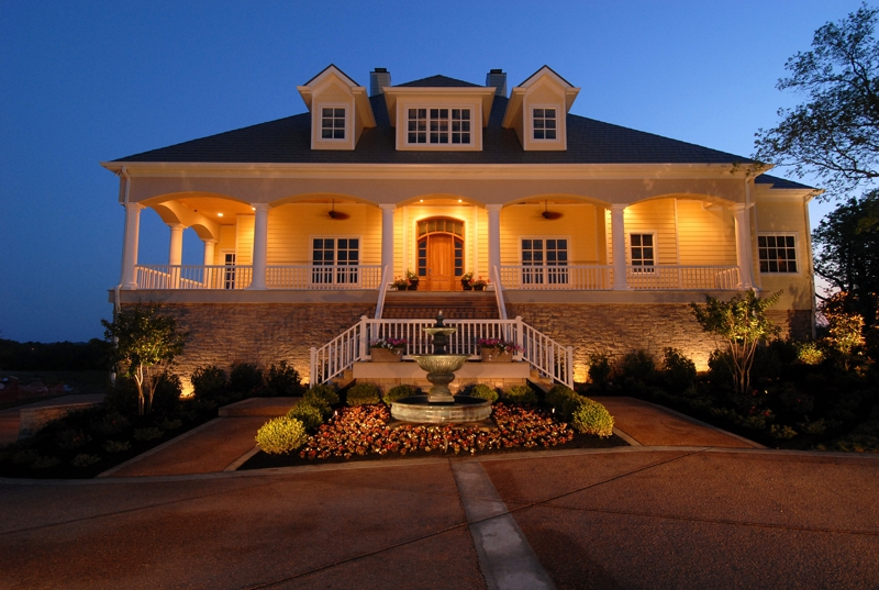Music city usa luxury lakefront properties for Luxury home builders usa