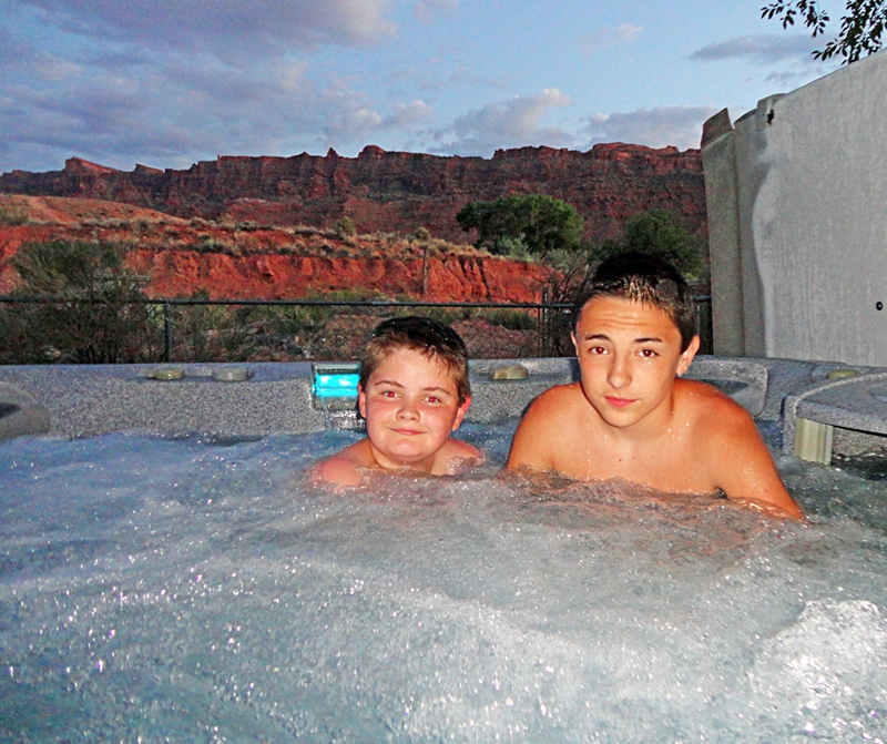 Hot tubbing in Moab, Utah