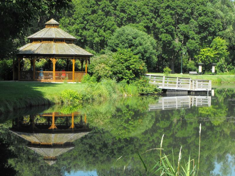 The Gazebo and pond at Lakeview Park, Middleton WI 53562, The Stark COmpany Realtors, Barbara Chatterton