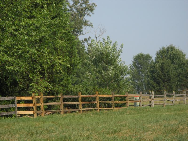 Wood Fence Contractor | Chicago Fence Contractor | We Build Fences