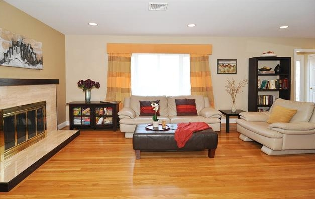Recessed lighting living room layout