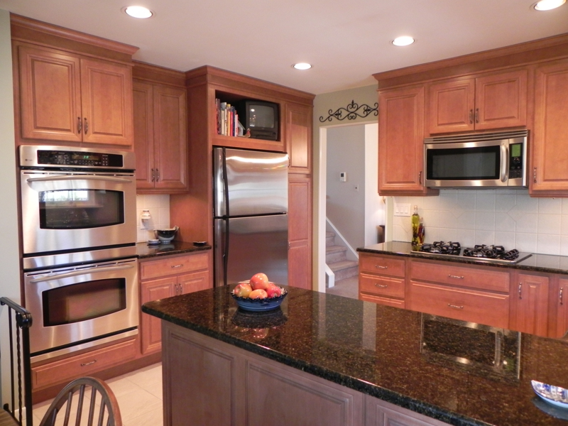 26 Beacon Dr Howell NJ Candlewood, stunning kitchen