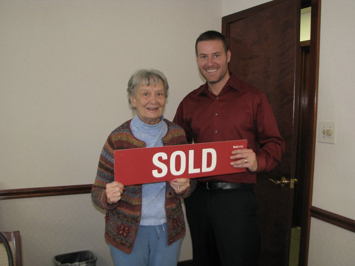 Reynoldsburg Ohio Real Estate Agents,Sam Cooper HER Real Living, with the home seller