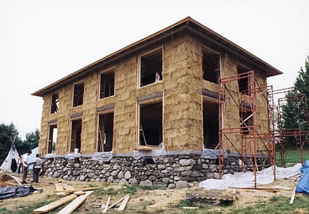 House construction hay bale house construction for Construction cost to build a house