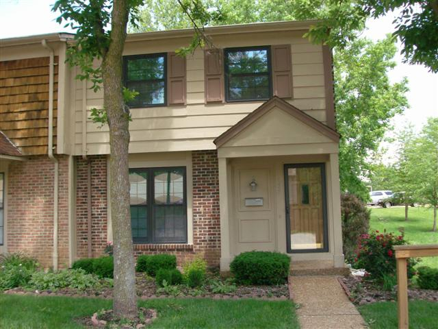 Sold by SelectAnn 232 Carmels Woods Drive Ellisville, MO 63021