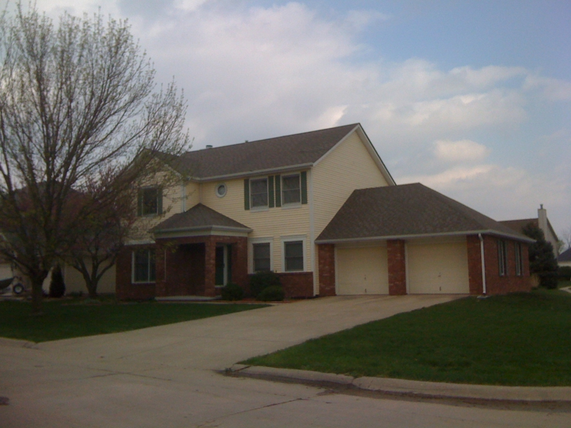 West Lafayette 4 bedroom homes for sale by Purdue University in Blackbird Farms subdivision contact real estate agents Sharon Walter Bruce Walter Keller Williams Realty Lafayette, IN 47905