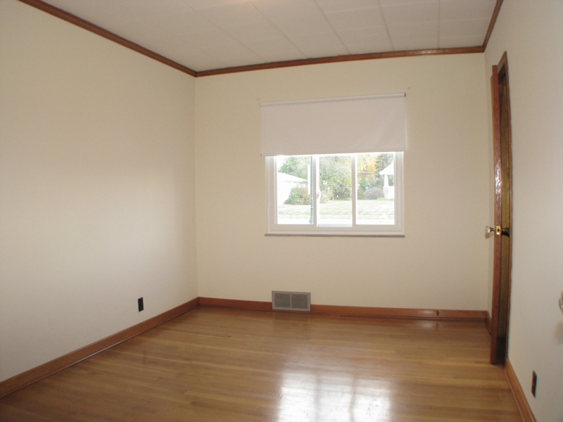 1111 Lancaster Ave.,Beautiful hardwood floors