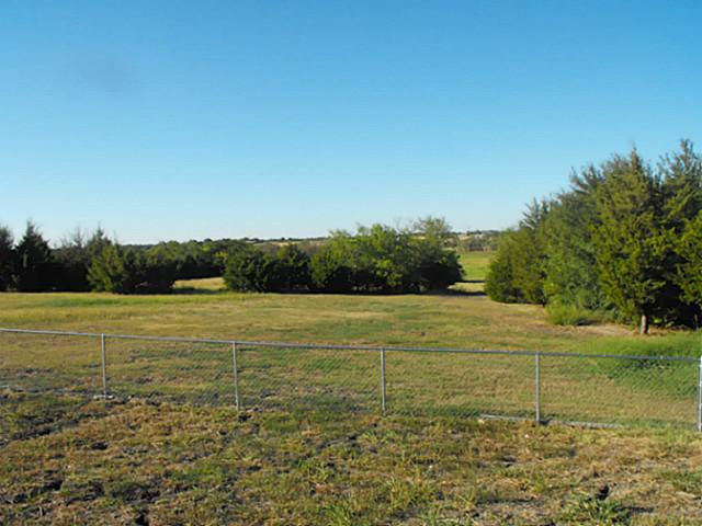 Properties On One Acre In Lavon Texas