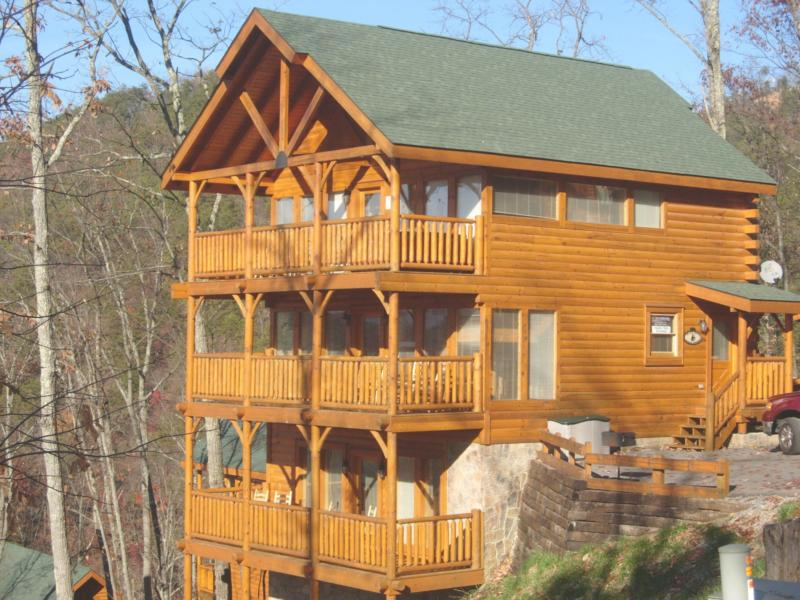 hotels information forge pigeon min cabins guestroom to cabin z cove hotel book featured gatlinburg image shady