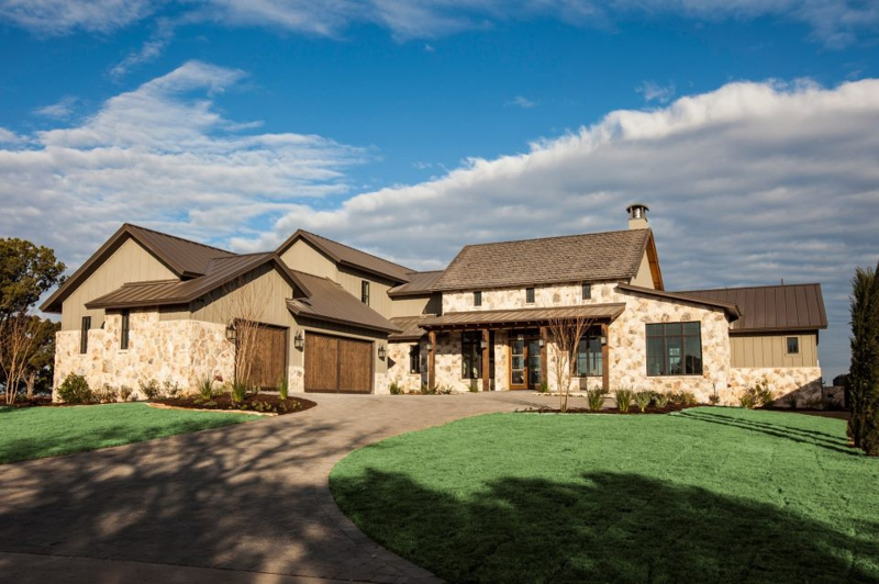 Southern living showcase home lake travis austin views for Southern custom homes