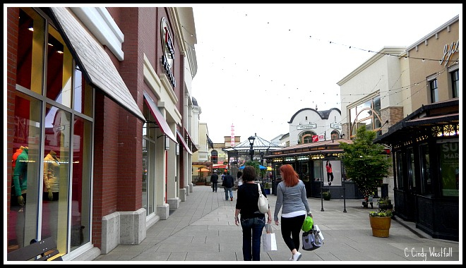 Bridgeport Village Shopping Mall