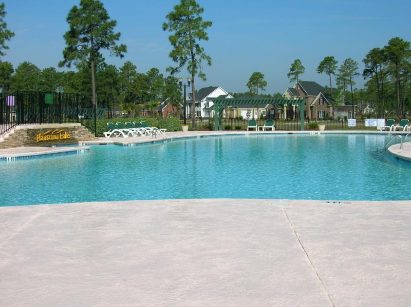 Beautiful Stucco Home In Plantation Lakes In Carolina