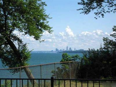 Cleveland Ohio lakefront home view of skyline