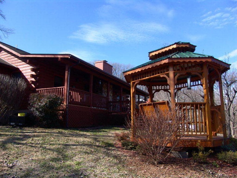 Authentic Log Home For Sale In Franklin Nc