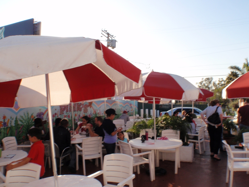 pinks outdoor dining area