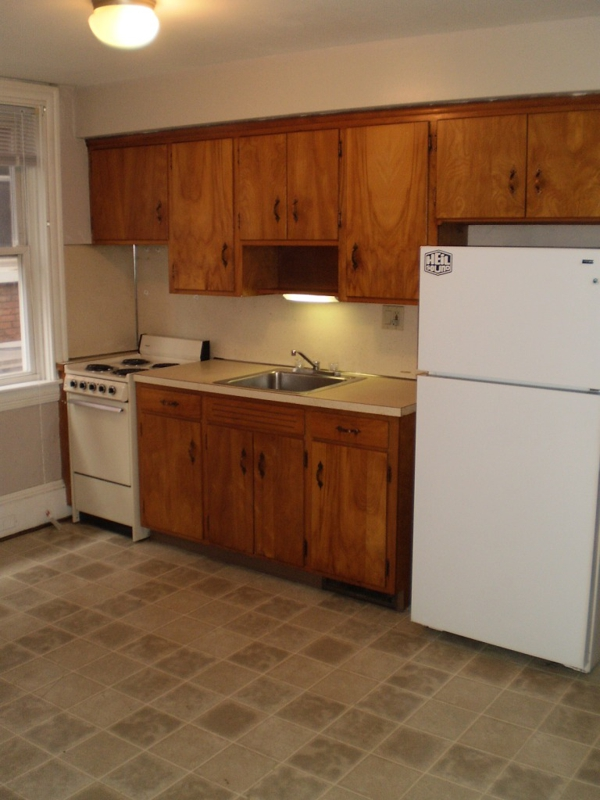 517 W James Apt for rent