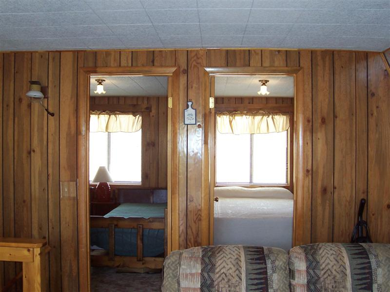 Two Upstairs Bedrooms - Sunridge Highlands Cabin